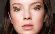 12 Reasons to Start Wearing Spring's Low-Key Glitter Look Now
