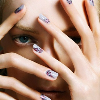 5 Nail Polishes That Look Like Nail Art