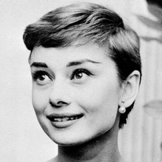 Easy '50s Hairstyles That Never Get Old