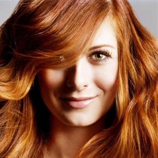 Debra Messing Isn't a Real Redhead