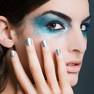 16 Glitter Eye Shadows That'll Put Stars in Your Eyes