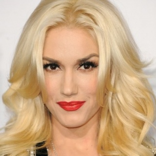 Gwen Stefani Teams Up With Urban Decay, and It's So Good