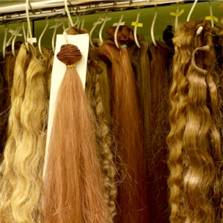 Forget Cars and Wallets, Smart Thieves Are Stealing Hair Extensions