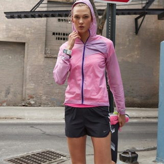 Karlie Kloss Gets Her Fitness on For Nike