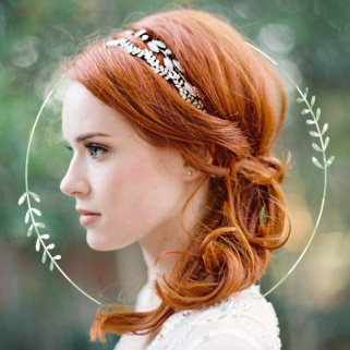 15 Head-Turning Bridal Hair Accessories