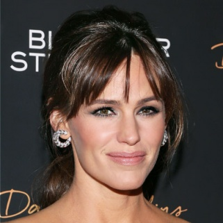 Jennifer Garner Shares Her One-Step Trick to Perfect Skin
