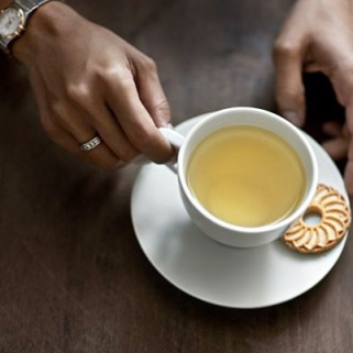 10 Teas to Help You Burn Fat, Slim Down and Sleep Better