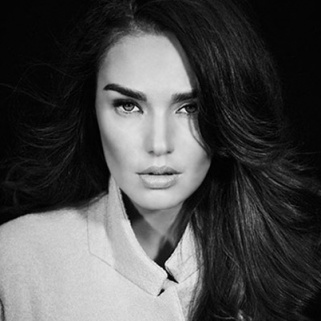 Why You Need to Know British It Girl Tamara Ecclestone