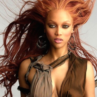 Tyra Mail: The Former Top Model Predicts Our Beauty Future