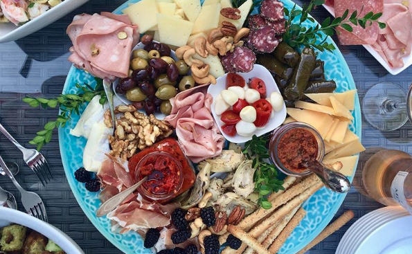 How to Make the Charcuterie Board of Your Dreams