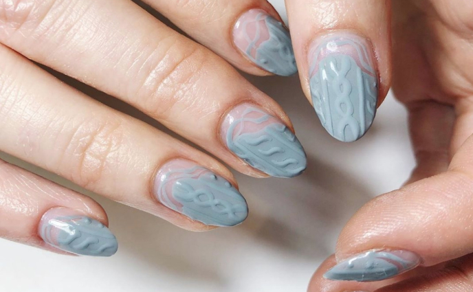 11 Wintry Nail Art Designs That Have Nothing to Do With Christmas