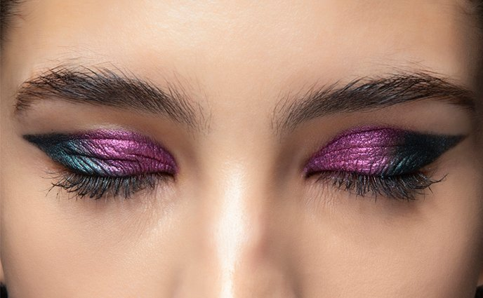 9 Glitter Eyeshadows That'll Sparkle While You WFH