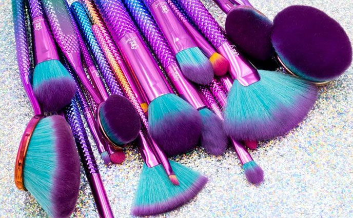 8 Insta-Worthy Makeup Brush Sets to Spruce Up Your Vanity