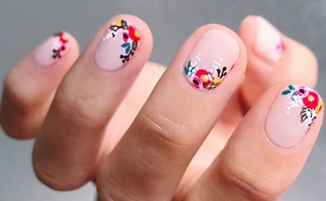 22 Spring Floral Manis You'll Want to Copy ASAP