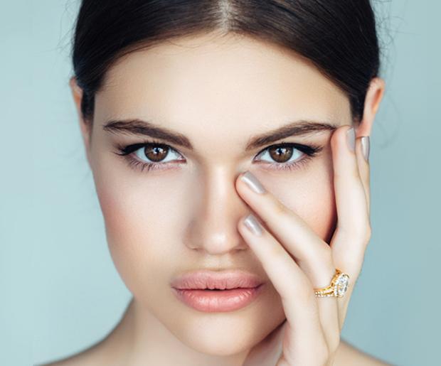 9 Best Mascaras for Sensitive Eyes