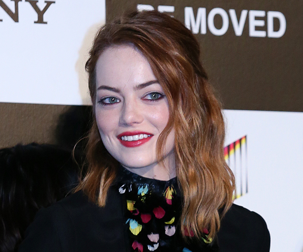 Youll Never Guess Emma Stones Natural Hair Color