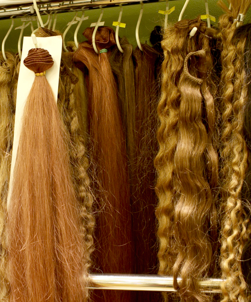 Forget Cars And Wallets Smart Thieves Are Stealing Hair Extensions