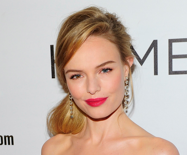 big forehead hair styles 13 best hairstyles for big foreheads 4200 | hairstyles for big foreheads loose low pony with side swept bang kate bosworth