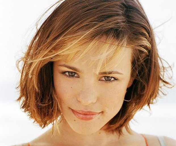 Hairstyles for Big Foreheads: Wispy Bangs on Rachel McAdams