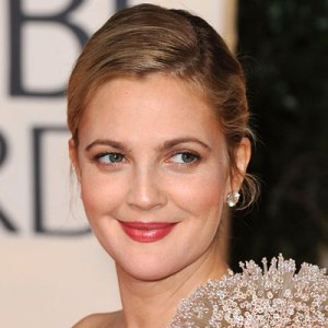 Drew Barrymore Launches Cosmetics Line with Walmart