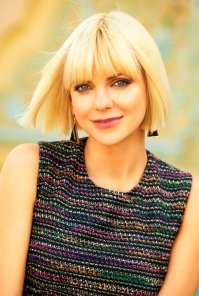 3 Reasons Anna Faris is Glowing