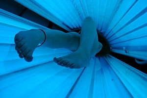 Indoor Tanning Still Popular with Young White Women