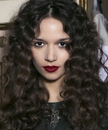 Step By Step How To Diffuse Curly Hair