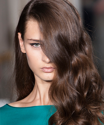 How To Curl Hair Like A Pro