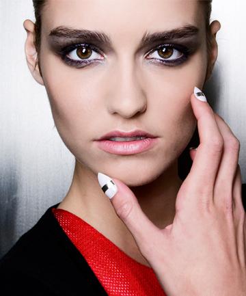 Makeup Tips That Erase 10 Years