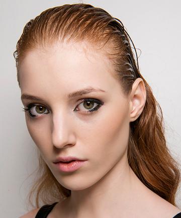 11 Best Oily Hair Remedies