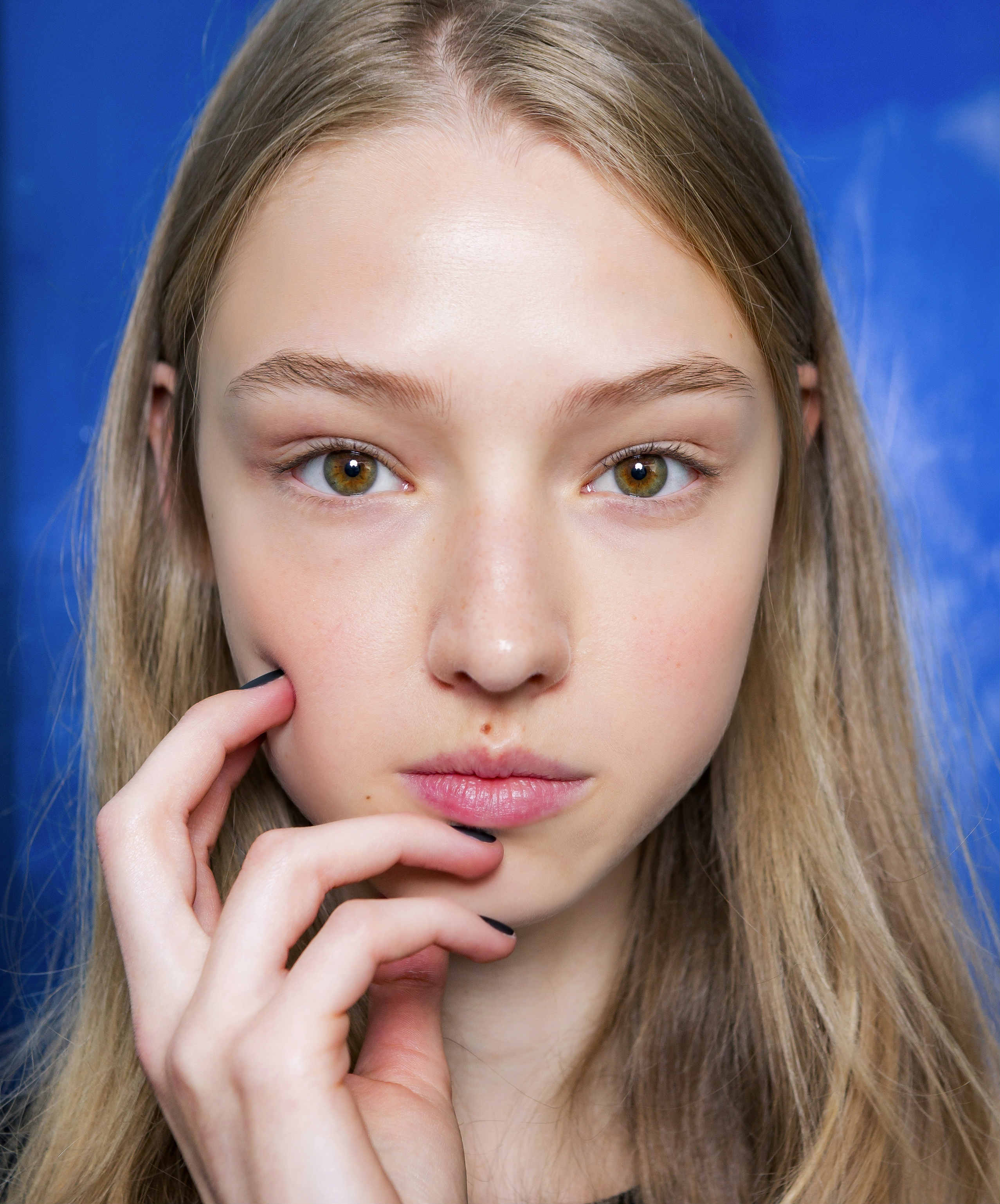 Как сделать макияж для блондинке зеленых глаз фото