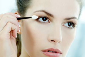 Expert Q&A: Your Top Five Makeup Questions -- Answered