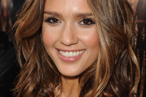 The Celebrity Hairstyle I'm Loving This Week: Jessica Alba's Tousled Waves