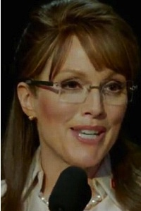 Why I'm Obsessed With How Julianne Moore Became Sarah Palin