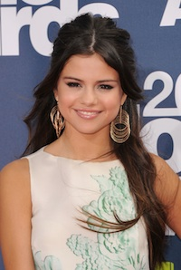 Even as a Grown Up, I Covet Selena Gomez's Look