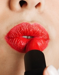How to Look Fabulous in Red Lipstick