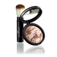 Laura Geller Bronze-n-Brighten with brush